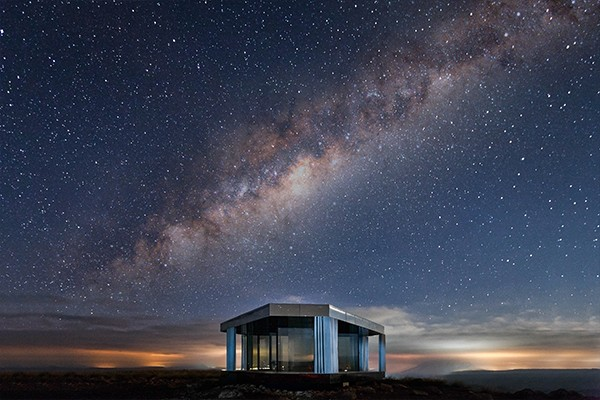 Koch-Industries-Guardian-Industries-La-Casa-Del-Desierto-nightsky